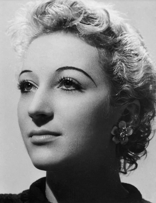 Jacqueline, 1935